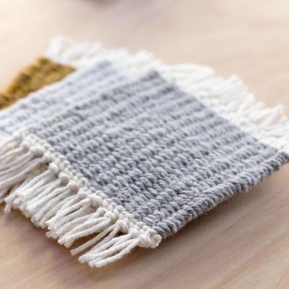 Posavasos telar hecho a mano